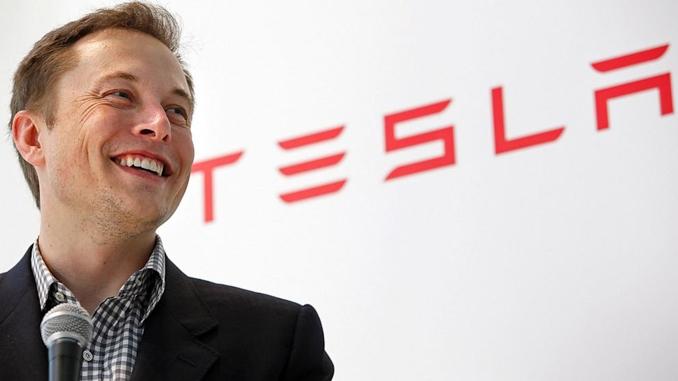 Elon Musk Tesla auto guida autonoma